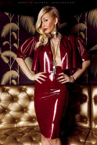 Damen Kostüm aus Latex