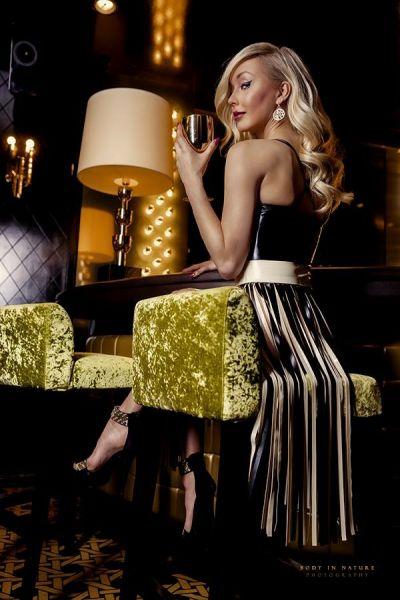 Damenkleid aus Latex